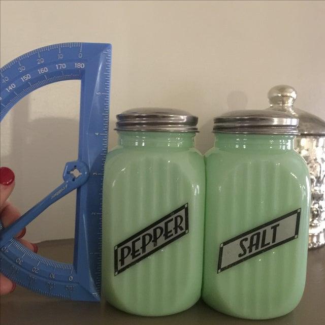 Art Deco Jadeite Salt and Pepper Shaker Set - Image 9 of 10