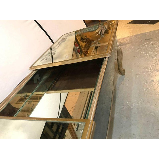 Hollywood Regency Italian Paint Decorated Sliding Mirror Top Coffee Low Table - Image 5 of 10