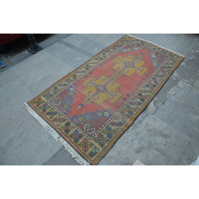Turkish Handwoven Wool Rug - 4′7″ × 8′7″ - Image 3 of 6