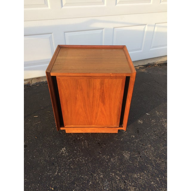 Dillingham Esprit Mid-Century Modern Nightstand - Image 4 of 10