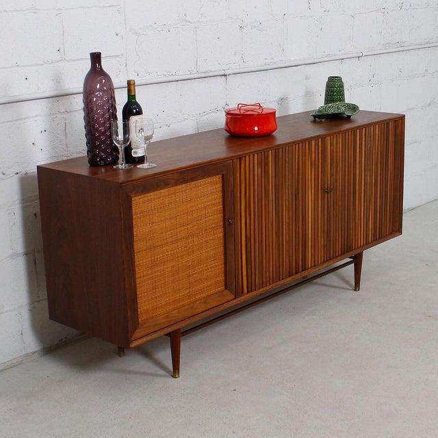 Mid-Century American Modern Walnut Sideboard & Dry Bar - Image 11 of 11