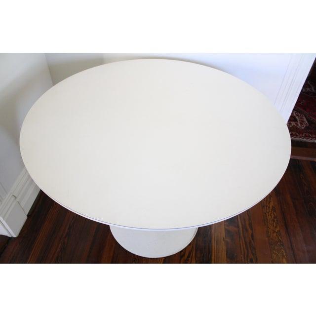 Vintage Saarinen Style White Tulip Dining Table - Image 5 of 11