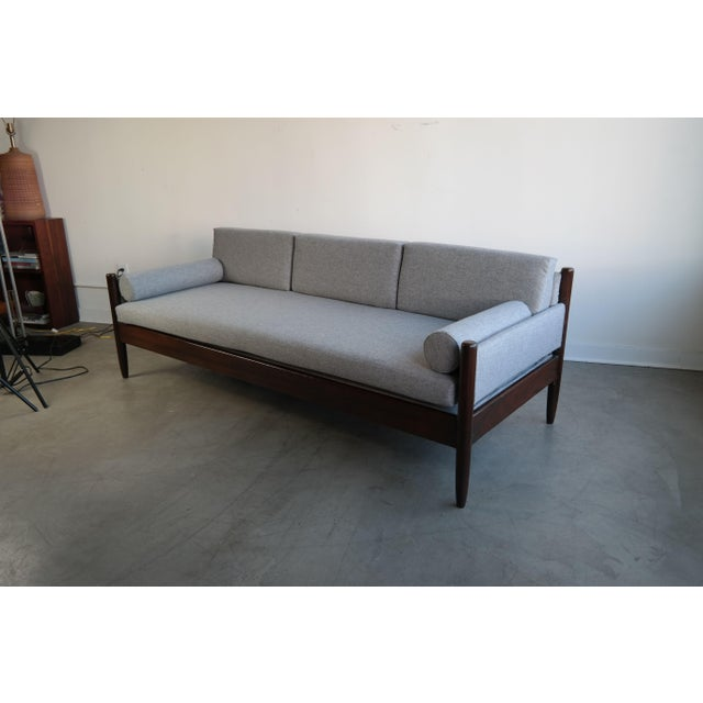 Rosewood Daybed by Sergio Rodrigues - Image 4 of 11