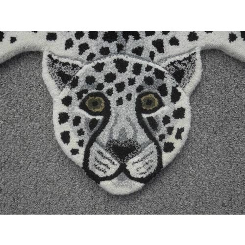 Modern Hand-Tufted Leopard Skin Shape Wool Rug - 3' x 5' - Image 3 of 5