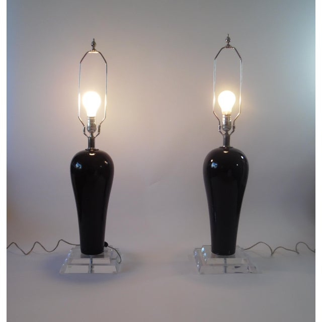 Mid-Century Lucite & Ceramic Table Lamps - A Pair - Image 6 of 9