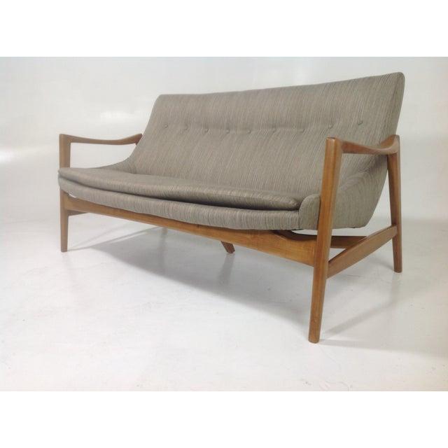 Mid Century Grey Sofa: Gray Mid-Century Modern Style Sofa