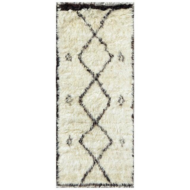 "Moroccan Lamb's Wool Runner - 2'7"" X 6'4"" - Image 1 of 2"