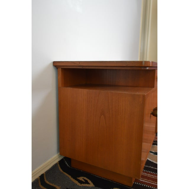 Mid-Century Red Oak Nightstands - A Pair - Image 8 of 11