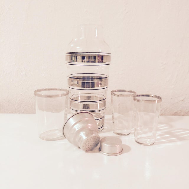 Image of 1950s Silver Striped Shaker Set