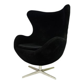 Mid-Century Modern Black Velvet Egg Chair by Arne Jacobsen