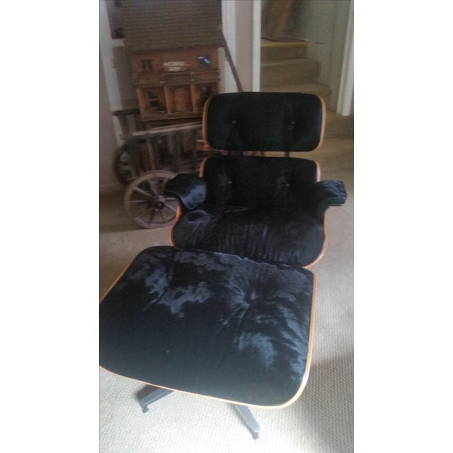 Eames Herman Miller Cowhide Lounge and Ottoman - Image 4 of 7
