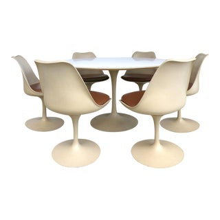 Eero Saarinen for Knoll International Tulip Dining Set