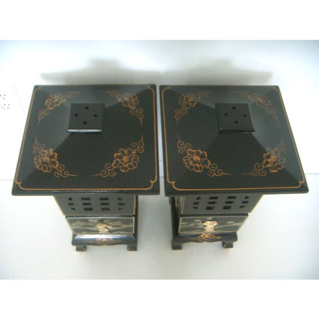 Vintage Lacquered Chinese Lanterns - A Pair - Image 3 of 9