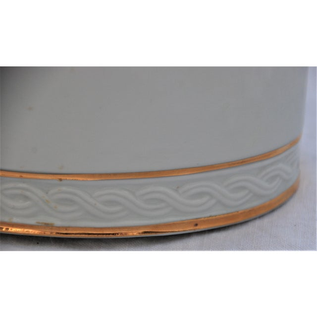 Vintage White and Gold Porcelain Box With Seashell Lid - Image 4 of 9