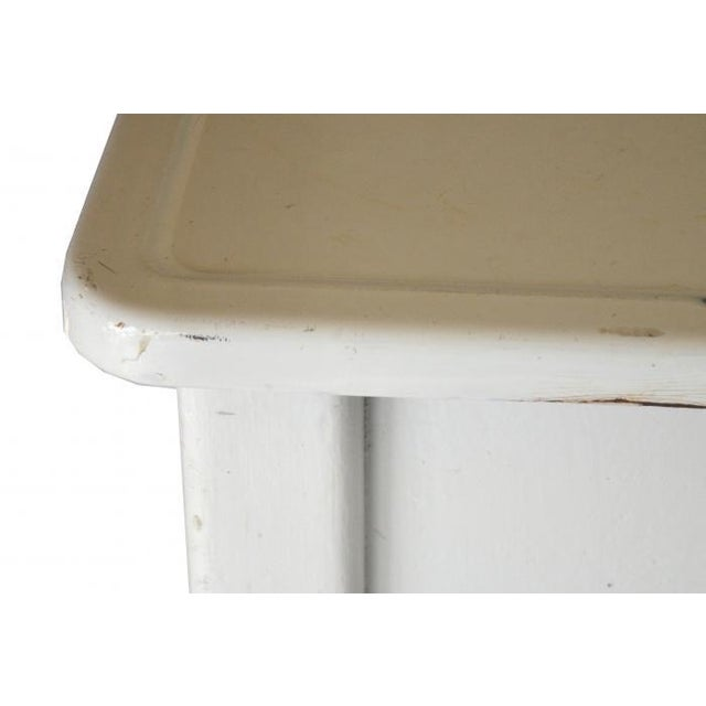 FDL Manufacturing Co Cottage Enamel Top Side Table - Image 6 of 6
