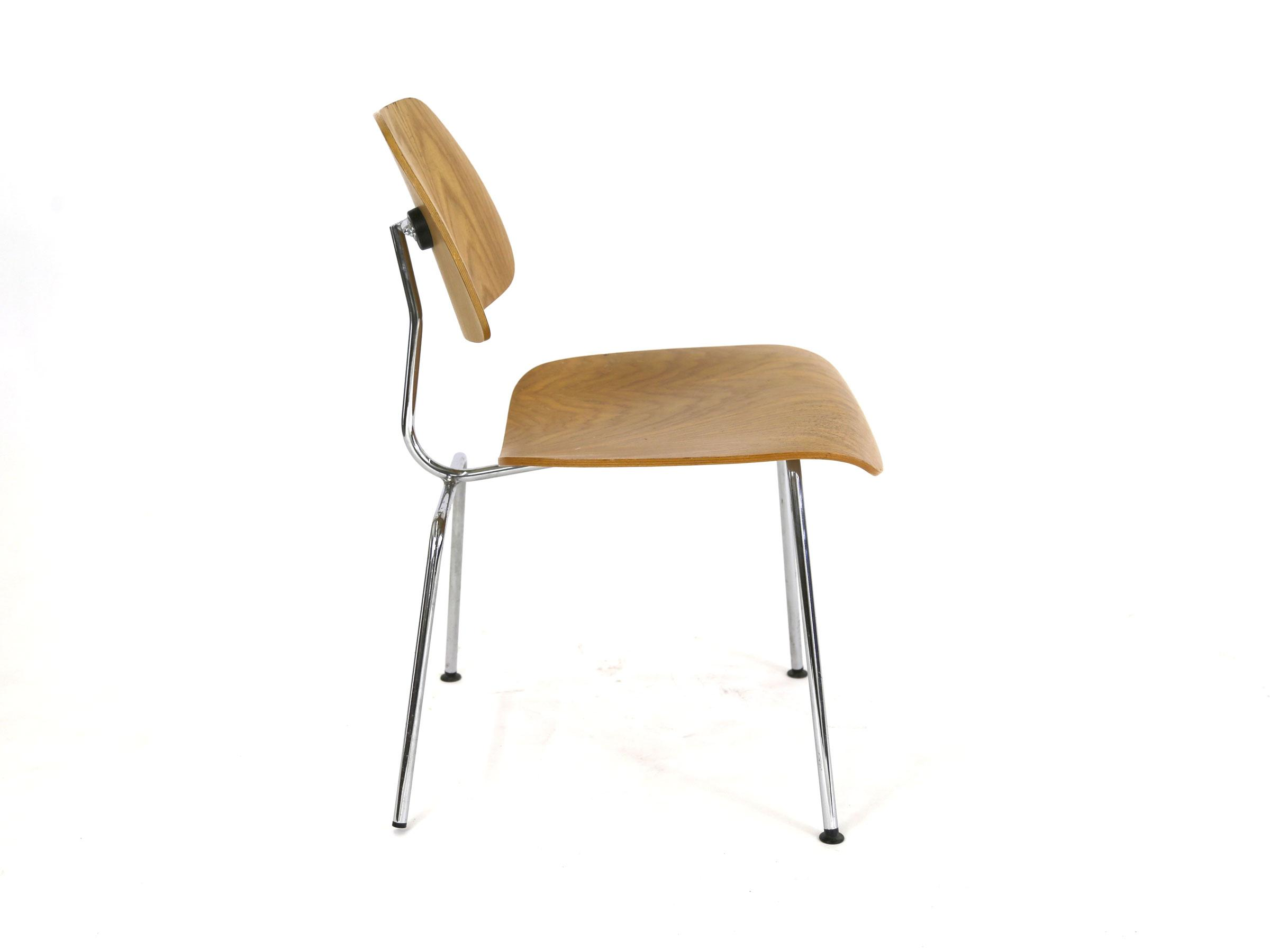 Vintage Eames Chair Molded Plywood Reproduction Chairish : 64f0a9e1 00e1 44a8 84df 8bb7316bd029aspectfitampwidth640ampheight640 from www.chairish.com size 640 x 640 jpeg 13kB