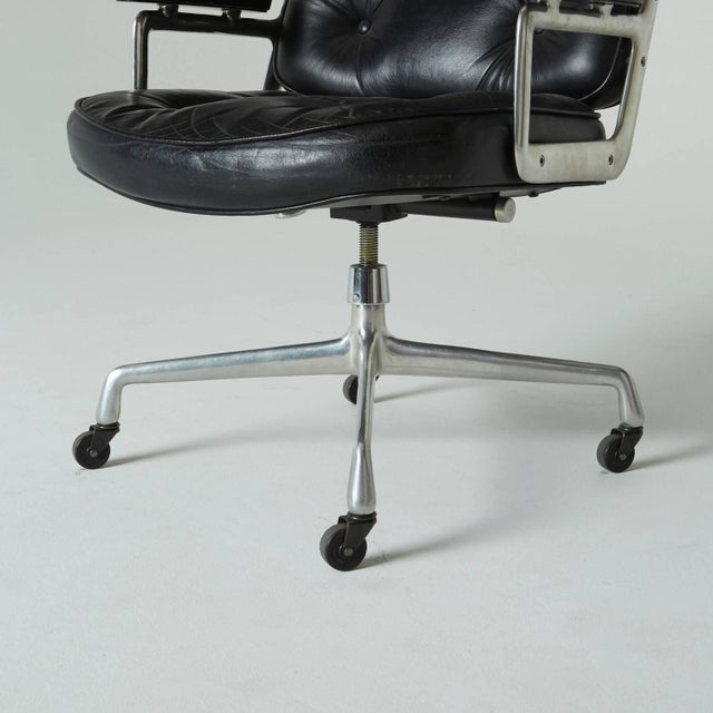 Time Life Executive Office Chair by Charles Eames - Image 4 of 9