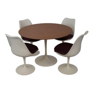 Knoll Eero Saarinen Round Tulip Dining Set