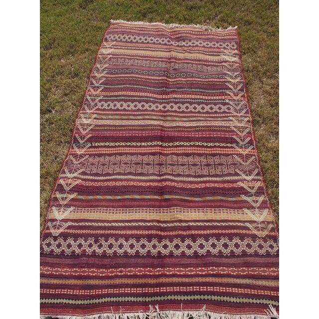 Traditional Handmade Kilim Rug - 4′6″ × 8′1″ - Image 6 of 9