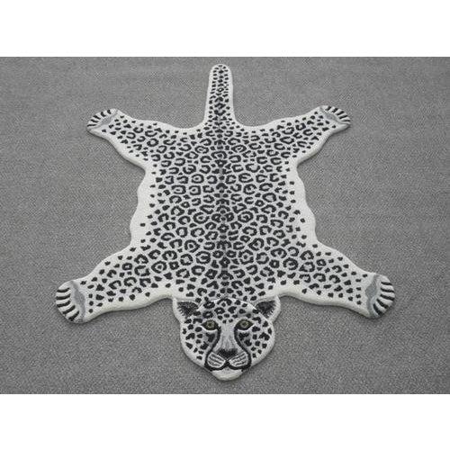 Modern Hand Tufted Leopard Skin Shaped Wool Rug - 4′6″ × 6′ - Image 5 of 5