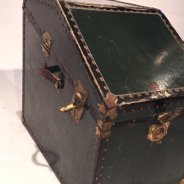 Vintage Hunter Green Steamer Trunk - Image 5 of 5