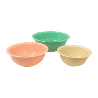 1980's Pyrex Mixing Bowls - Set of 3