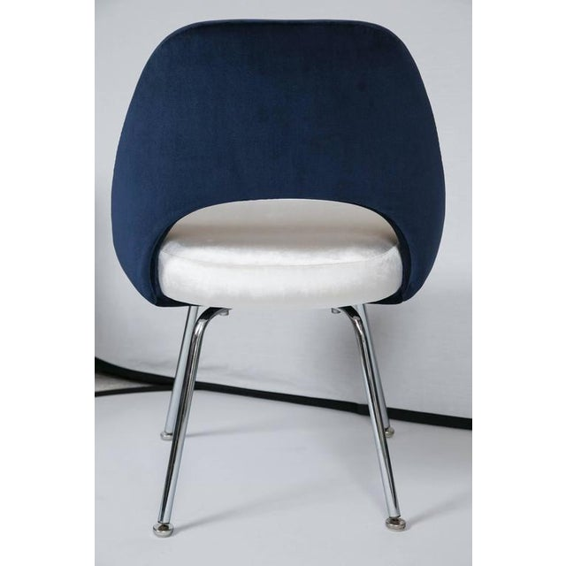 Saarinen Executive Armless Chairs in Ivory/Navy Velvet, Set of Six - Image 9 of 10