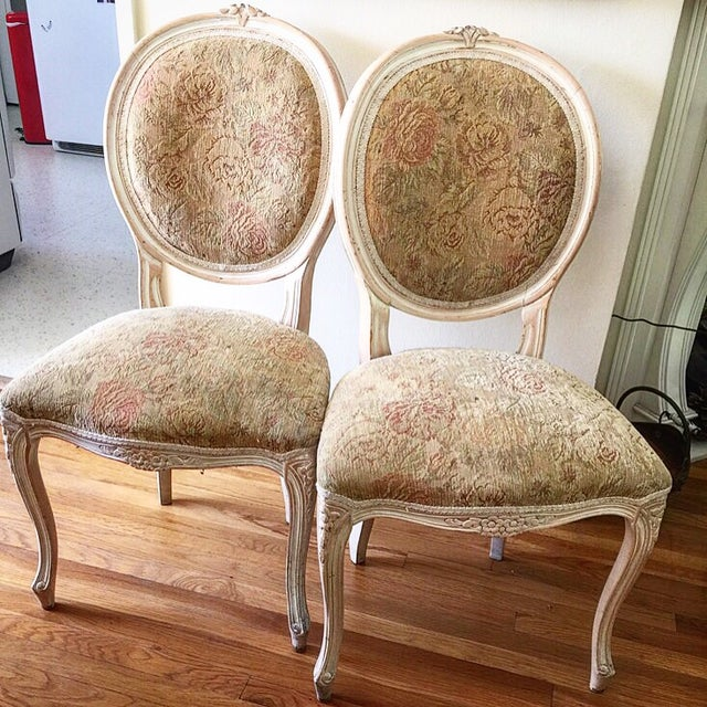 French Provincial Chairs - A Pair - Image 6 of 9