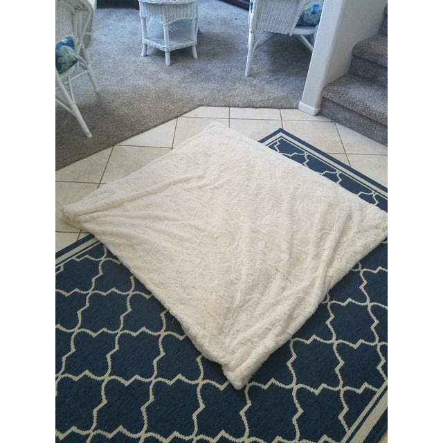 King Size Faux Fur Throw - Image 2 of 6