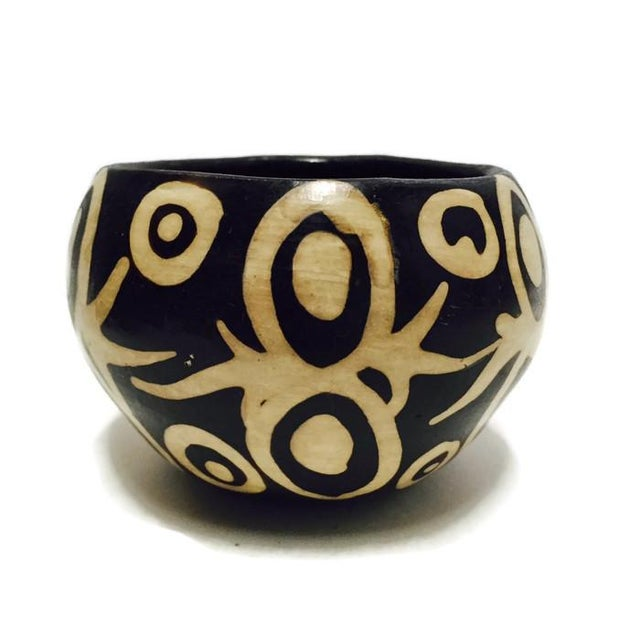 Vintage Peruvian Clay Pottery Bowl - Image 2 of 7