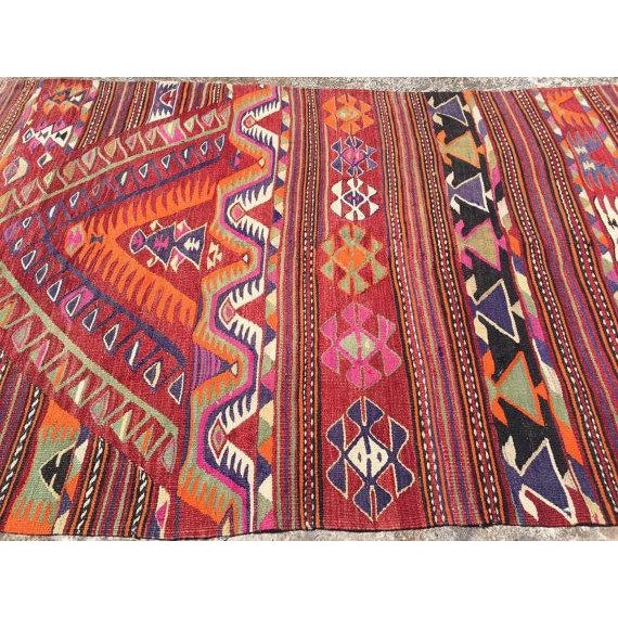 "Vintage Turkish Kilim Rug - 4'4"" X 6'8"" - Image 4 of 6"