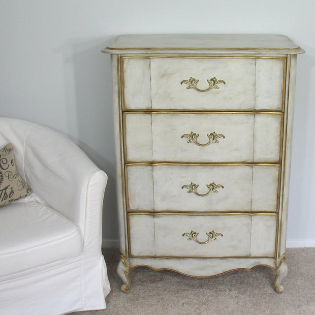 Vintage French Provincial Chest of Drawers - Image 2 of 8