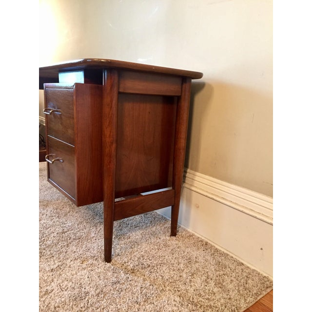 American of Martinsville Desk & Chair - A Pair - Image 3 of 11