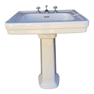 Traditional Toto Promenade Pedestal Sink