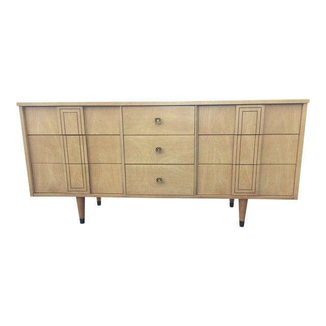 Mid Century Distinctive Furniture By Stanley Credenza