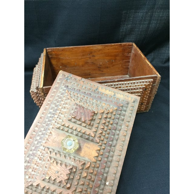 Early 20th Century Chip Carved Tramp Art Box - Image 7 of 7