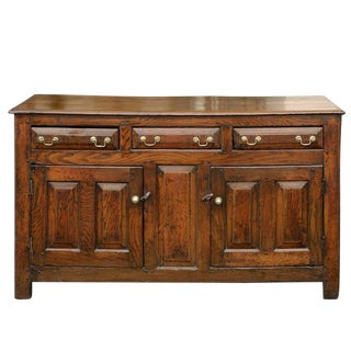 English Early 19th Century Oak Buffet with Three Drawers and Two Doors