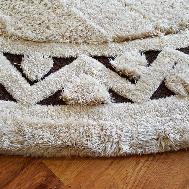 "Edward Fields White Round Wool Rug 10'6"" - Image 3 of 6"