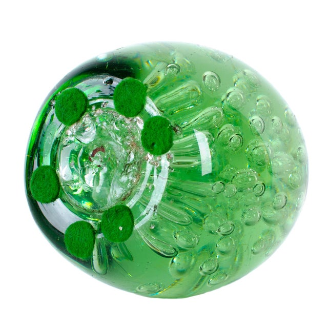 19th Century Green 'Dump' Glass Paperweight - Image 4 of 4