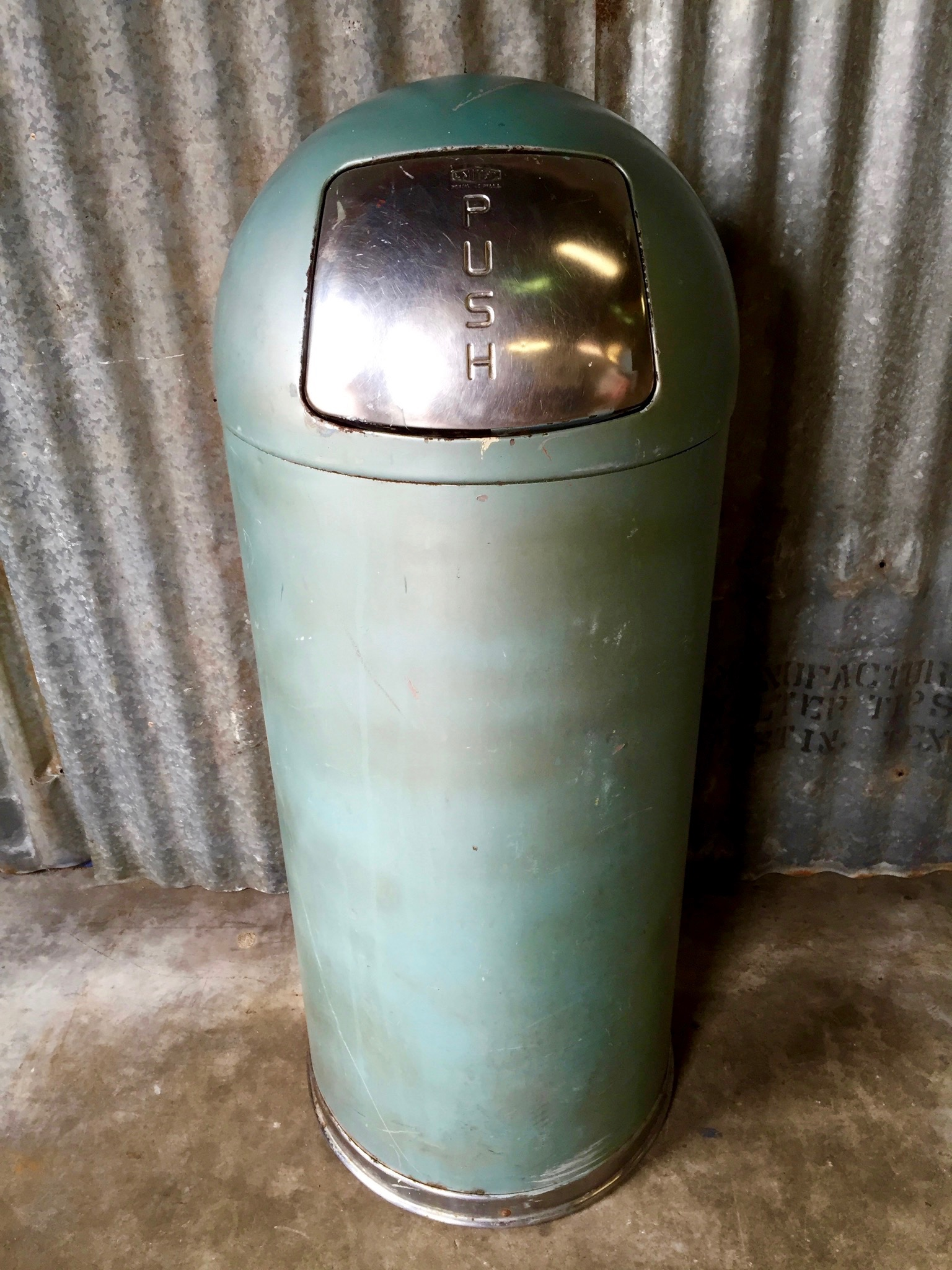 vintage united metal trash can image 10 of 11