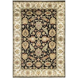 "Traditional Hand Woven Rug - 4' x 5'11"""