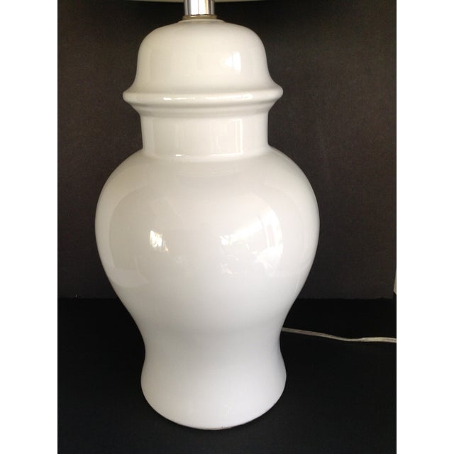 Vintage White Ginger Jar Lamps - A Pair - Image 3 of 5