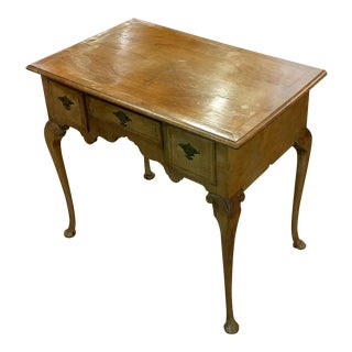 18th century Queen Anne Child or Ladies Desk - Carved Walnut