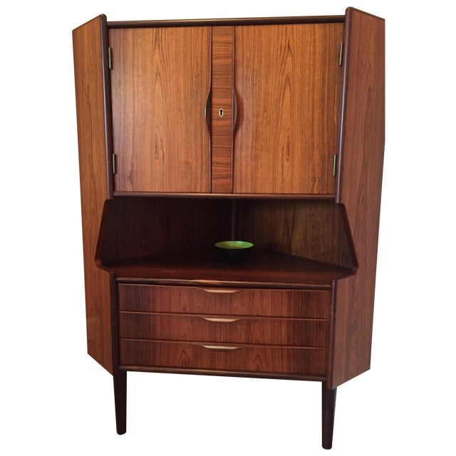Mid Century Rosewood Corner Cabinet - Image 1 of 4