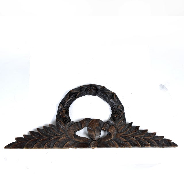 Antique French Carve Pediment Bow Crown - Image 2 of 4