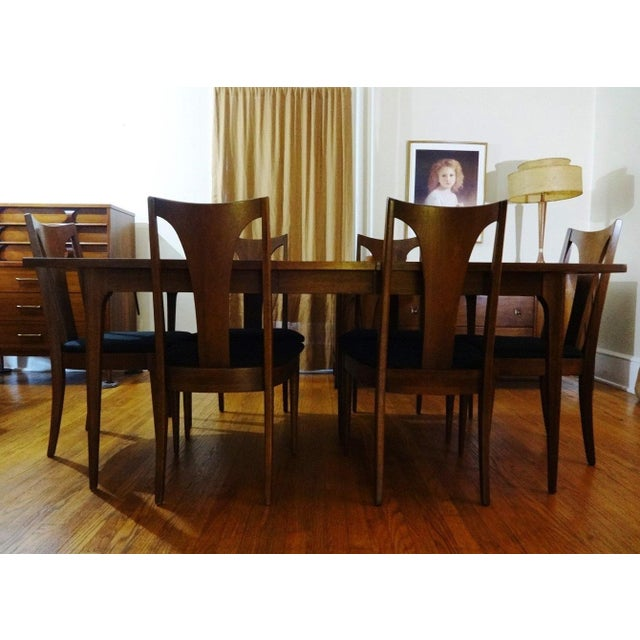 Mid Century Modern Broyhill Brasilia Sculpted Walnut Dining Room Table 6 Chairs
