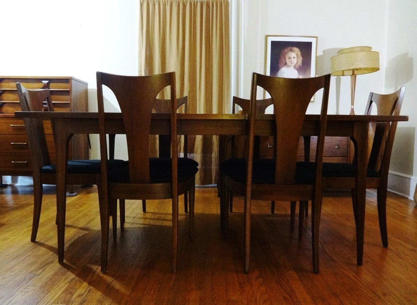 Mid Century Modern Broyhill Brasilia Sculpted Walnut Dining Room Table U0026 6  Chairs   Image 2 Part 36