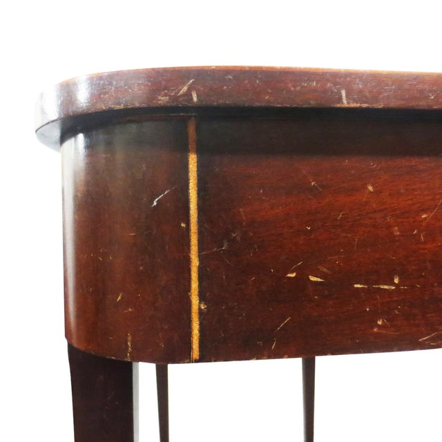 Image of Berkey & Gay Mahogany Gate Leg Table