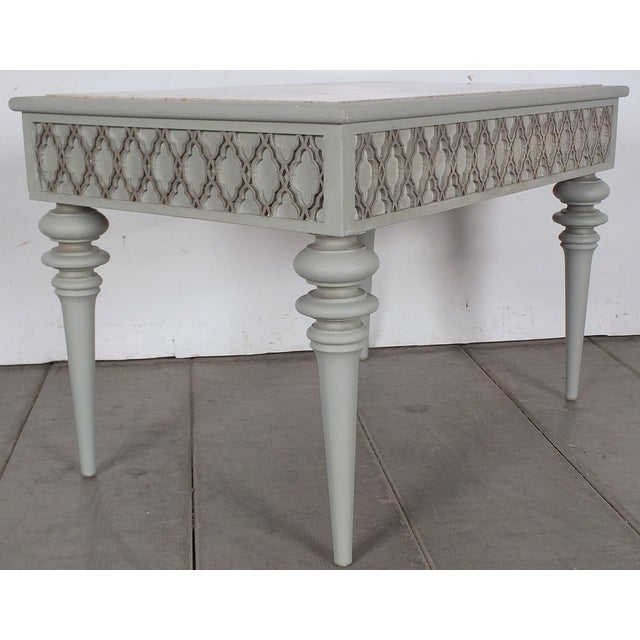 Regency-Style 1950s Painted End Table - Image 5 of 7