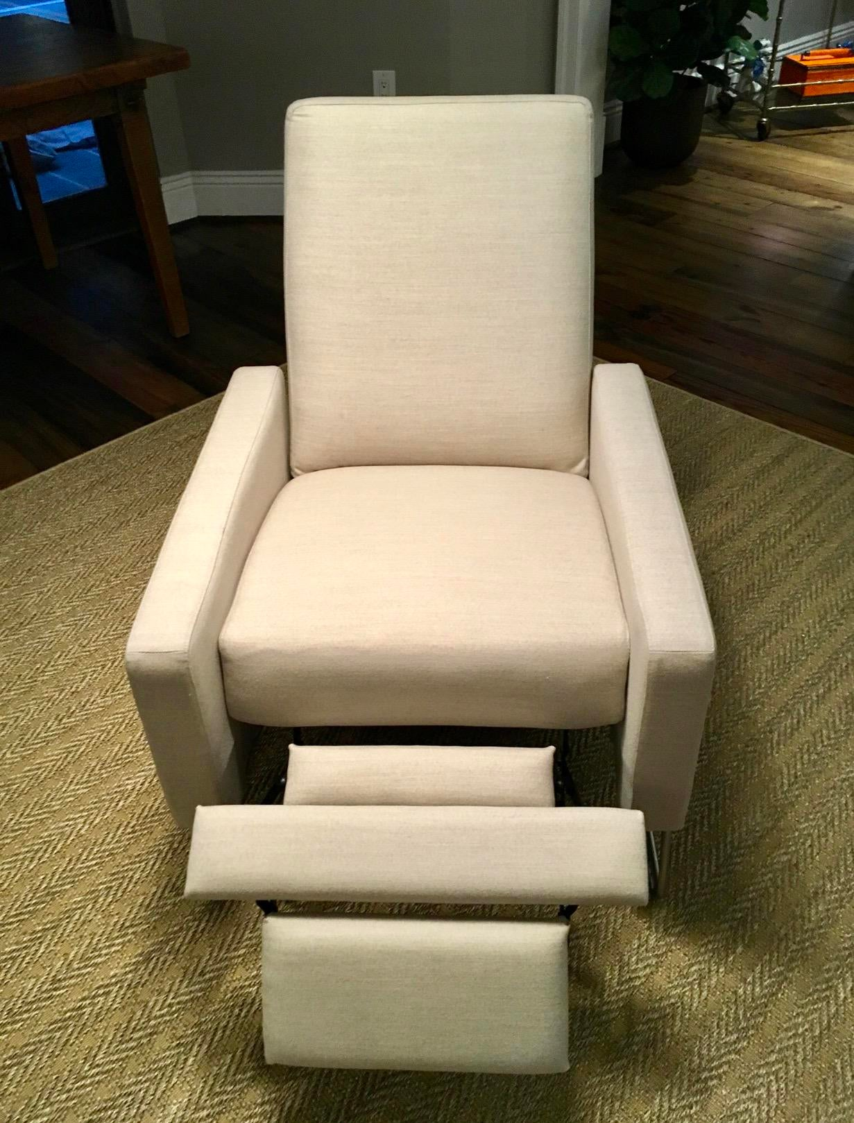 Design Within Reach Flight Recliner   Image 3 Of 9